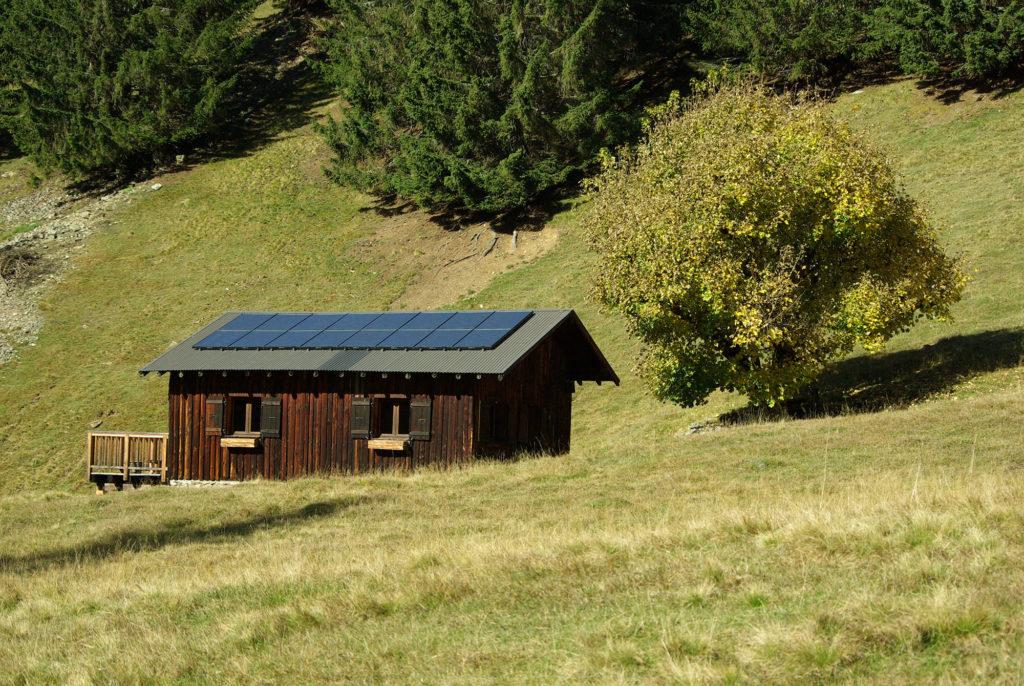 panneaux solaires batiment au parc de Merlet